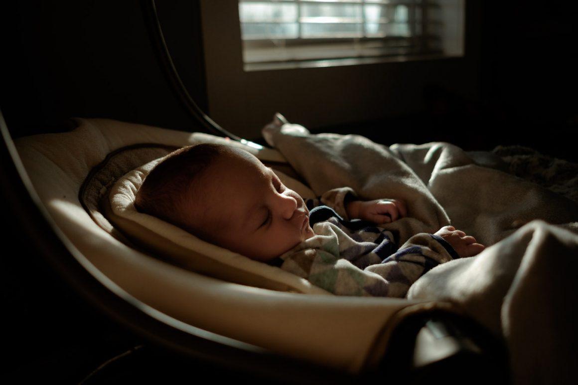 À quel point un matelas de lit d'enfant doit-il être ferme ou dur ? – Mon matelas pour bébé est-il trop ferme ? (Ce qu'il fait faire)