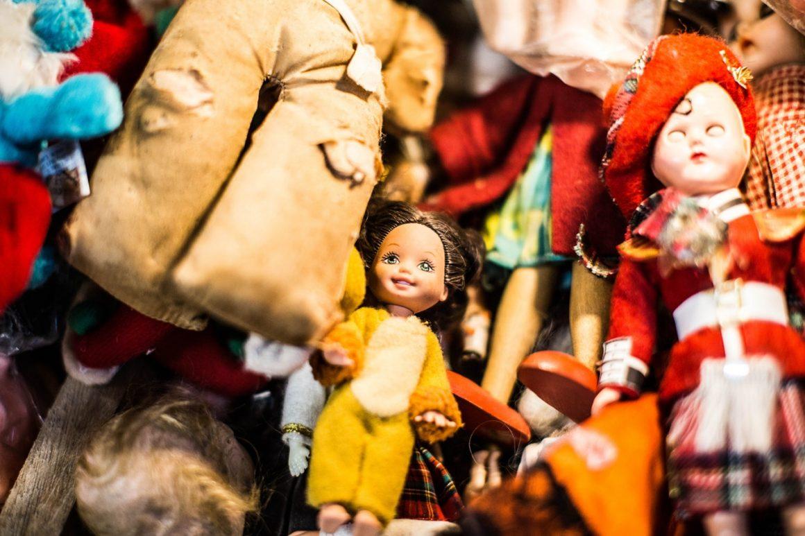 1. Une poupée bébé – 5 Alternatives à la Tétine pour Bébé