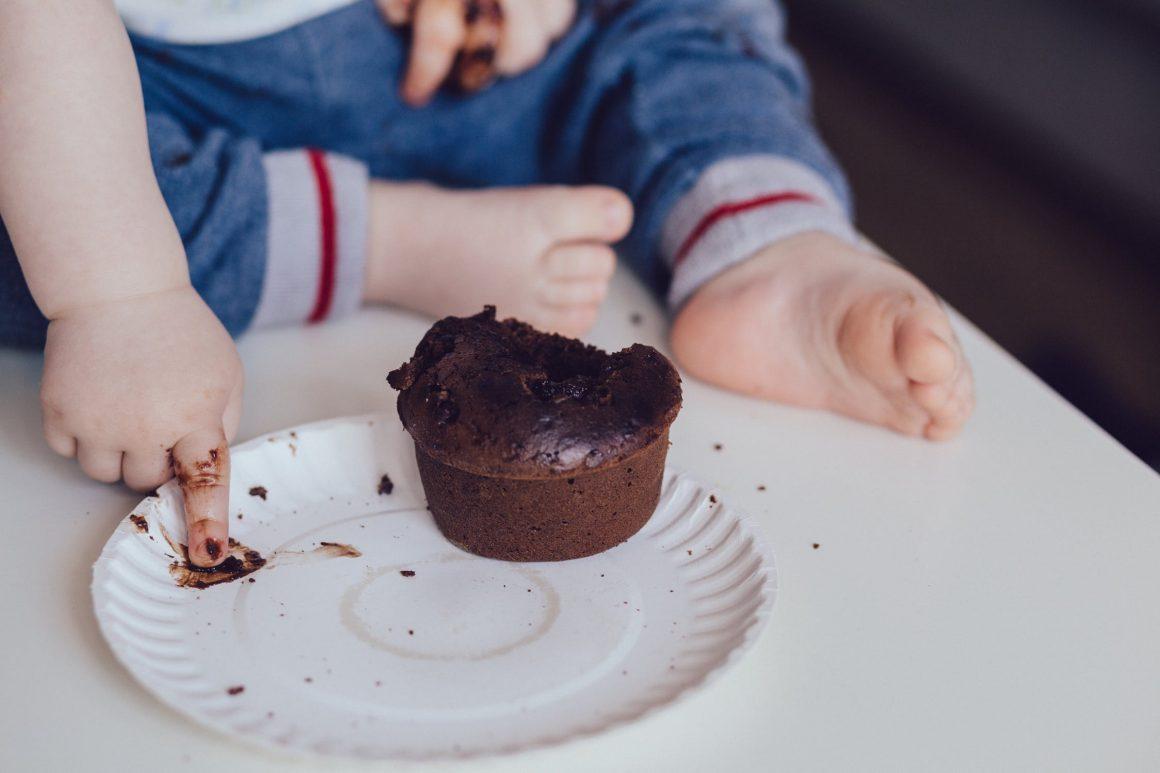 Bébé ne mange que des friandises – Bébé ne mange pas ? (Ce qu'il faut faire)