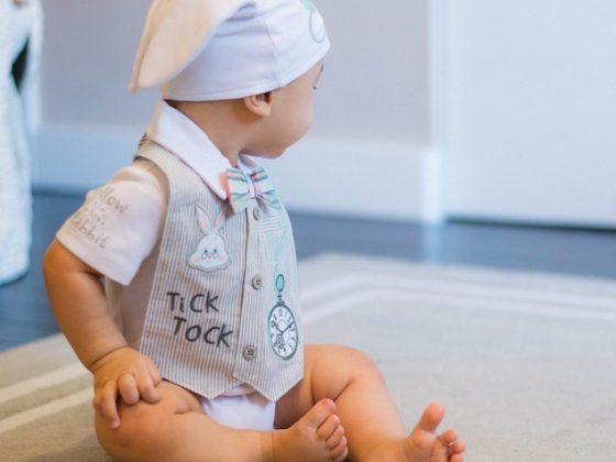 – Comment nettoyer les oreilles de bébé (et quand ne pas le faire !)