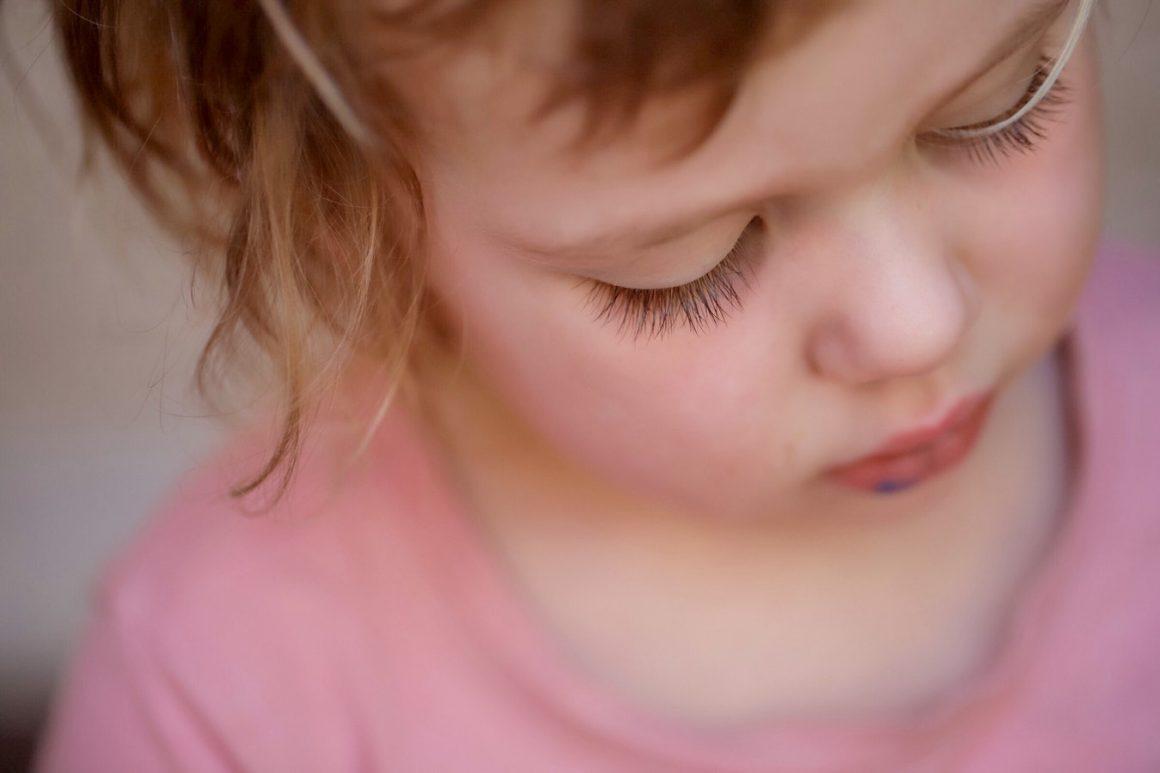 Quand, pourquoi et à quelle fréquence faut-il nettoyer les oreilles d'un bébé ? – Comment nettoyer les oreilles de bébé (et quand ne pas le faire !)