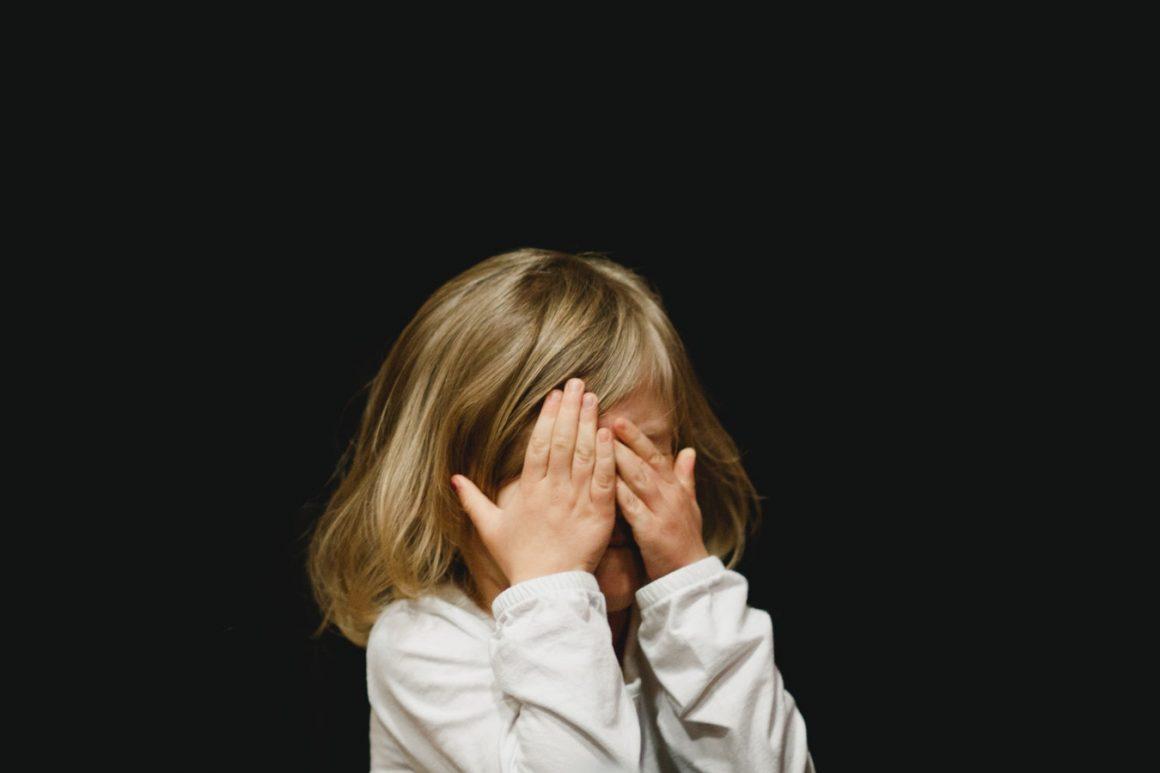 Qu'arrive-t-il lorsque mon bébé ou mon enfant a des dépôts ? Comment enlever le cérumen excessif ou dur ? – Comment nettoyer les oreilles de bébé (et quand ne pas le faire !)